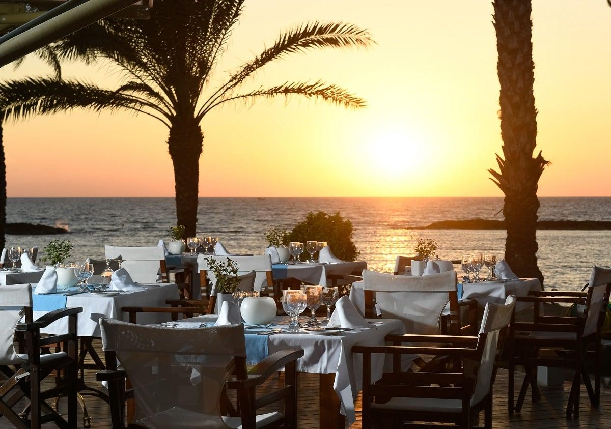 13 PIONEER BEACH HOTEL THALASSA MEDITERRANEAN RESTAURANT