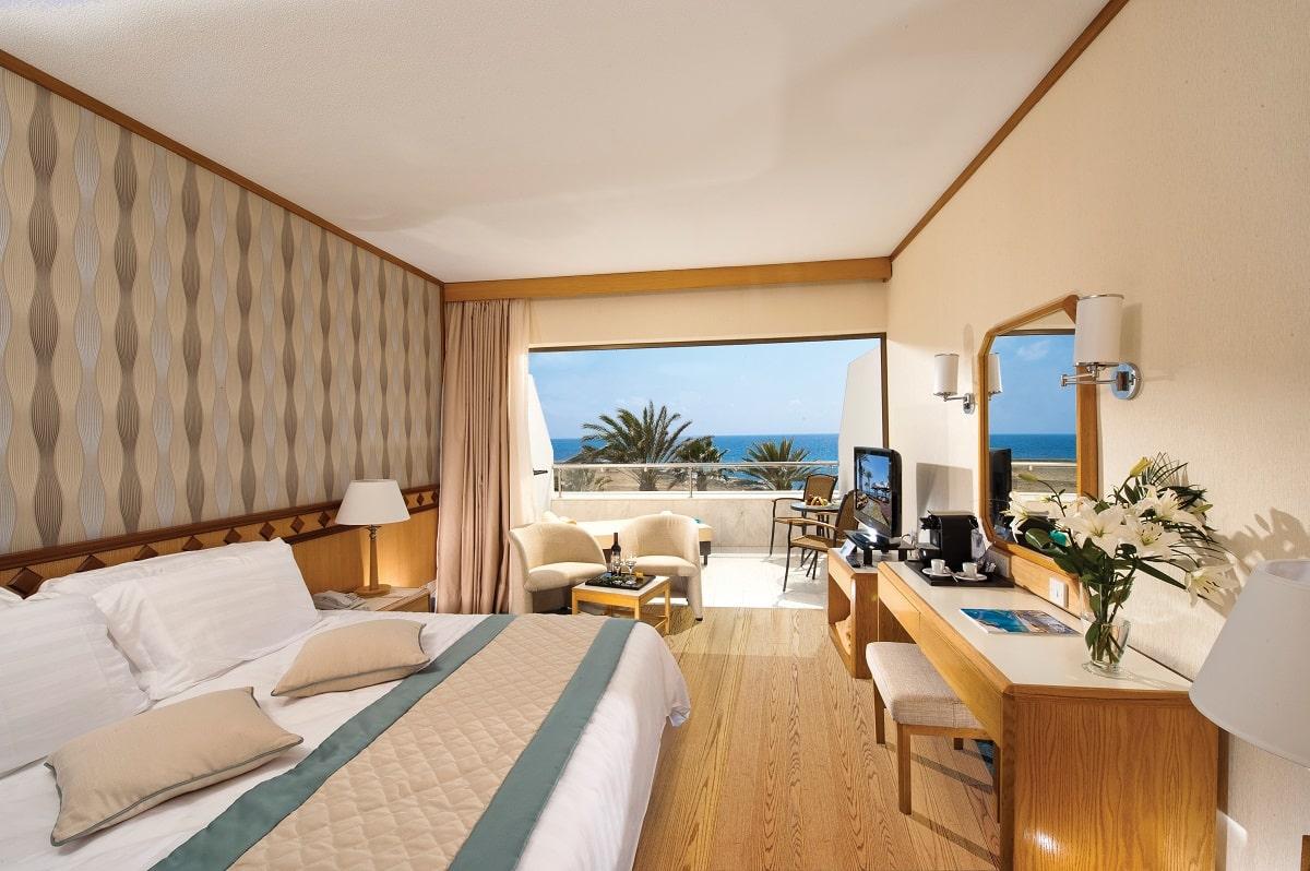 23 PIONEER BEACH HOTEL SUPERIOR DELUXE ROOM SV