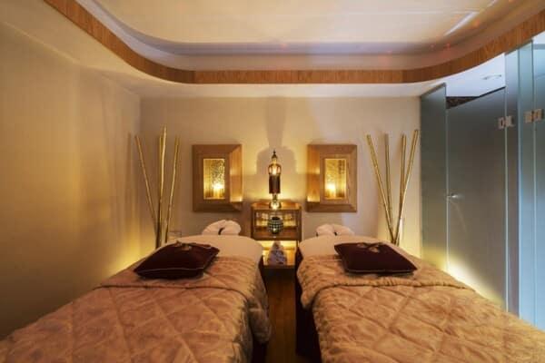 32 PIONEER BEACH HOTEL ELIXIR SPA COUPLES ROOM