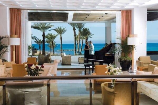 4 PIONEER BEACH HOTEL LOBBY