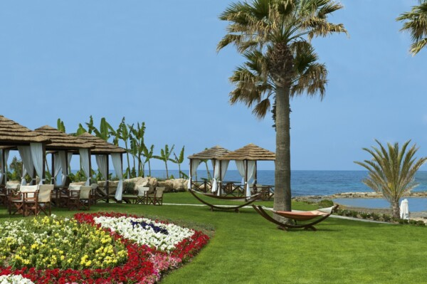 9 PIONEER BEACH HOTEL CABANAS BY THE BEACH