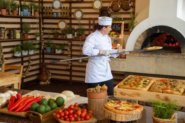 12 PIONEER BEACH HOTEL REGINA ITALIAN RESTAURANT