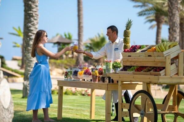 17 PIONEER BEACH HOTEL FRUITOPIA