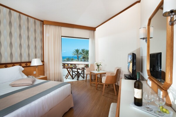 20 PIONEER BEACH HOTEL CLASSIC ROOM SV